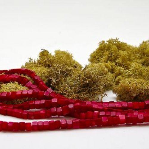 Bambuskorallen Würfel Strang rot in 8x8mm-0
