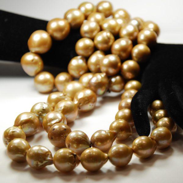 Süsswasser Perlen Barock in gold.-0