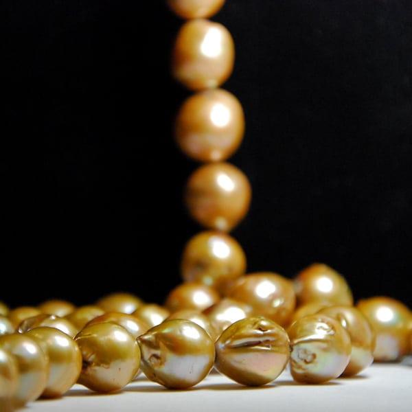 Süsswasser Perlen Barock in gold.-1783