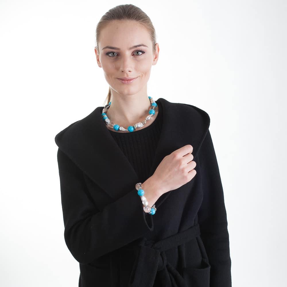 HONG BOCK-Design - Barockperlencollier mit Bergkristallen und türkisfarbenen Howlithen-2346