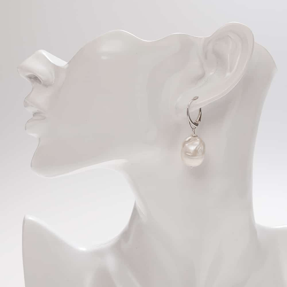 HONG BOCK Design - White Baroque pearls Earrings with a silver hook
