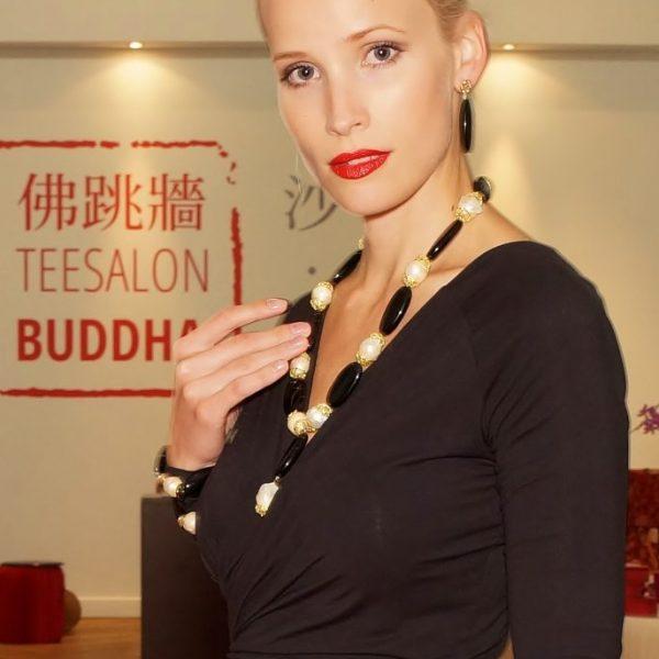 HONG BOCK-Desihn Kette und Armband-Ohrringe aus Schwarze Onyx und Süsswasser Barock Perlen in Set-2711