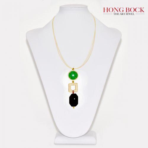 HONG BOCK-Design Anhänger aus Jade und Onyx und vergoldet Element-0