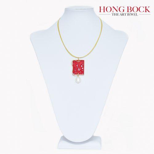 HONG BOCK-Design Anhänger aus handgeschnitzt Korallen in Silbervergold.-0